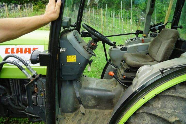 NEXOS er en lavbygd traktor for lavt tyngdepunkt og god framkommelighet.