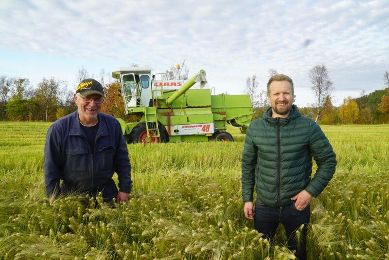 Benjamin og Vegard driver verdens nordligste kornproduksjon