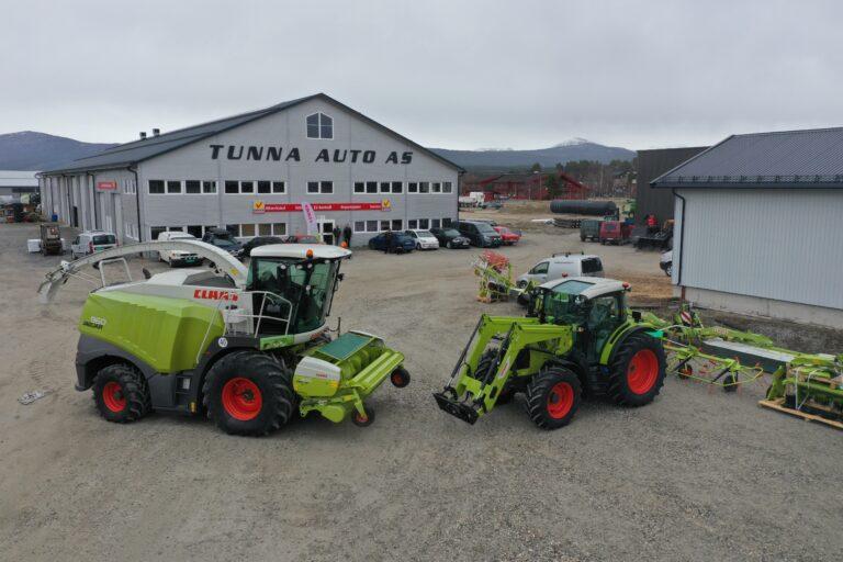 -Den første CLAAS traktoren er allerede solgt, og mye CLAAS grasutstyr står nå i utstilling hos CF Maskin Tunna Auto på Tynset.