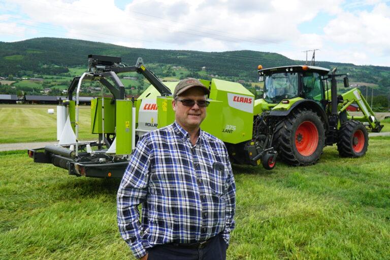 Knut Sikle har kvote på 380 tonn, og holder på å bygge opp kjøttfebesetning, med mål om å komme opp på 25-30 ammekyr.