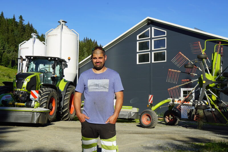 Smidig og stort slåmaskinoppsett gir effektiv høsting for Øyvind Dalen